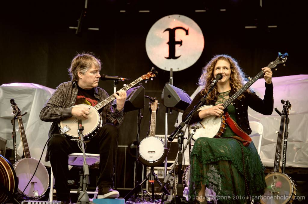 The Festy Experience Day 1 with River Whyless, Béla Fleck & Abigail Washburn, Sara Watkins, Mary Chapin Carpenter, The Steep Canyon Rangers and Lord Nelson